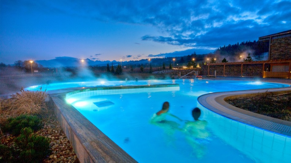 thermal pools swimming spring rejuvenating waters