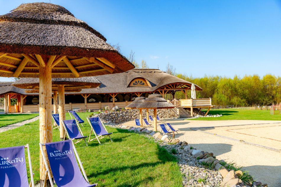 Tatry, widok, parasolki, ogród, Pensjonat Burkaty, Białka Tatrzańska, przyroda, podhale, plaża, plac zabaw, rzeka Białka